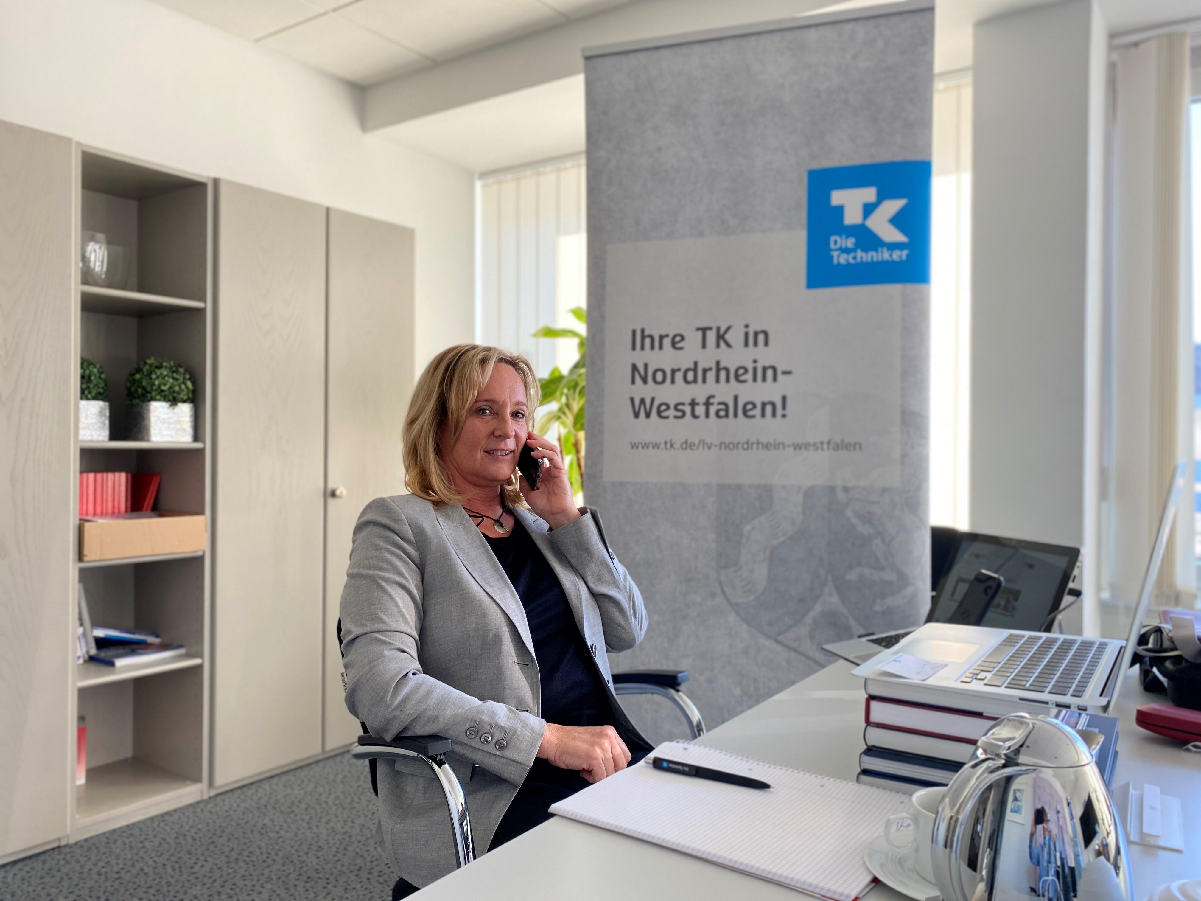 TK-Kollegin Beate Hanak in der Landesvertretung Nordrhein-Westfalen organisiert alljährlich das Medica Econ Forum by TK - aufwändig genug! Doch in diesem Jahr hatte sie besonders große Herausforderungen zu bewältigen.